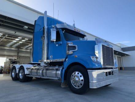 IMG 2823 440x333 - 2013 Freightliner Coronado