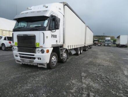 IMG 3068 440x333 - 2007 Freightliner Argosy